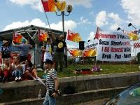 Tiburtina, Flaica in sciopero a Panorama con pinne, fucile e occhiali